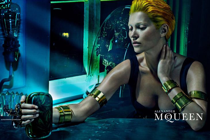 Kate-Moss-Alexander-McQueen-SS14-05.jpg