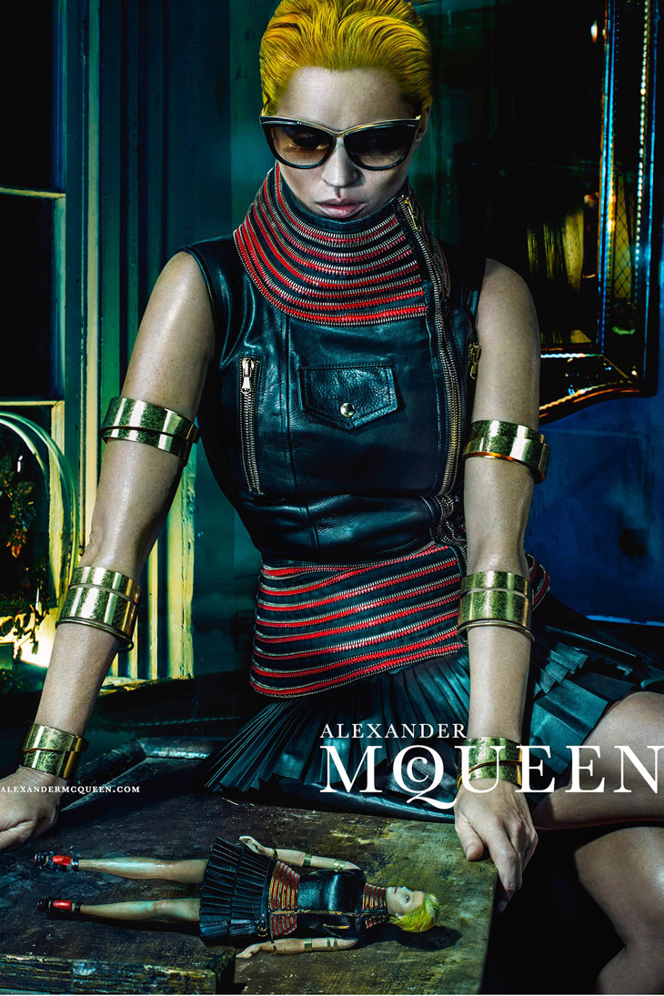 Kate-Moss-Alexander-McQueen-SS14-06.jpg