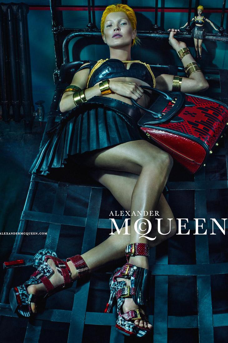 Kate-Moss-Alexander-McQueen-SS14-08.jpg