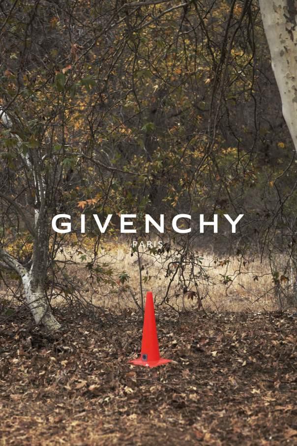 givenchy3_1.jpg