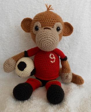 monkey-football4.jpg