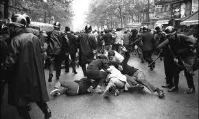 Párizsi diáklázadás.jpg