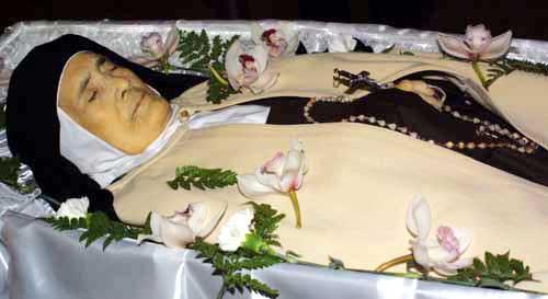 Lúcia temetése Jsusdossantos.jpg
