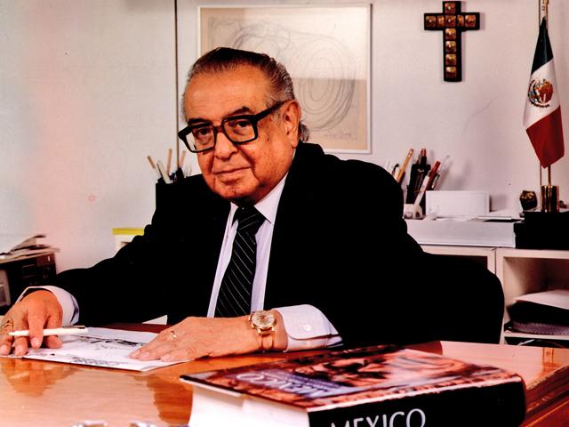 Ramírez Vázquez, aki 1975 prv-1.jpg