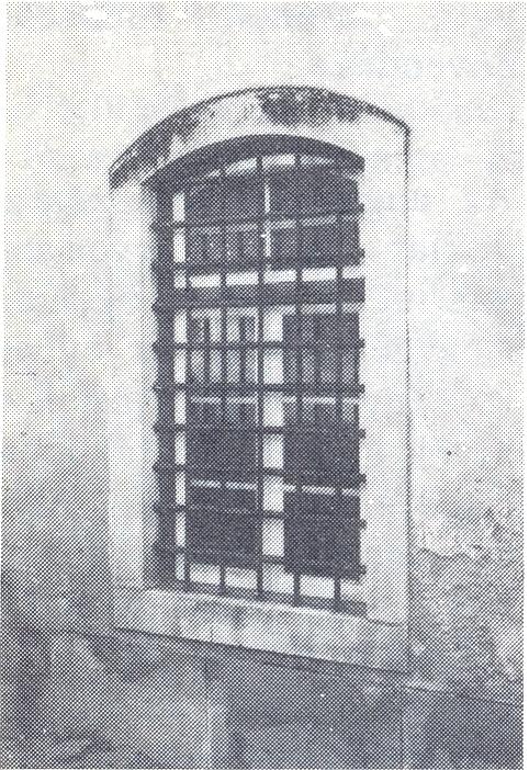 ==A Villa Nova de Ourem-i börtön ablaka (eredeti foto. A börtön, ma már nincs meg!).jpg