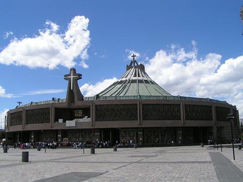 Basilika_in_Guadalupe02.JPG