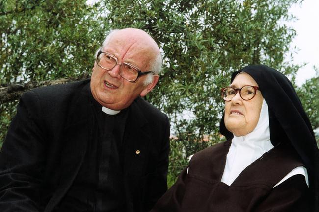 Padre Luís Kondor com a Irmã Lúcia 2000.jpg