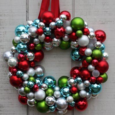 ornament ball wreath 2.jpg