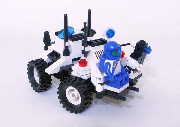 1621 Lunar MPV Vehicle 1.JPG