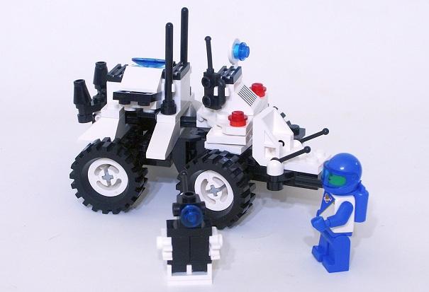 1621 Lunar MPV Vehicle 2.JPG