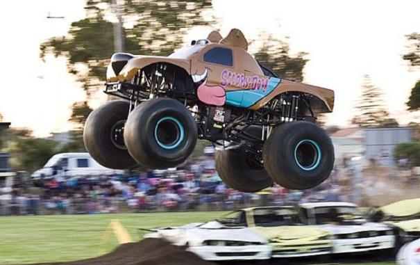 Scooby-Doo-Monster-Truck-2.jpg