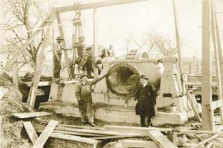 Peerles pumps 1940.jpg