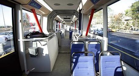 Metrobüs_Istanbul.JPG