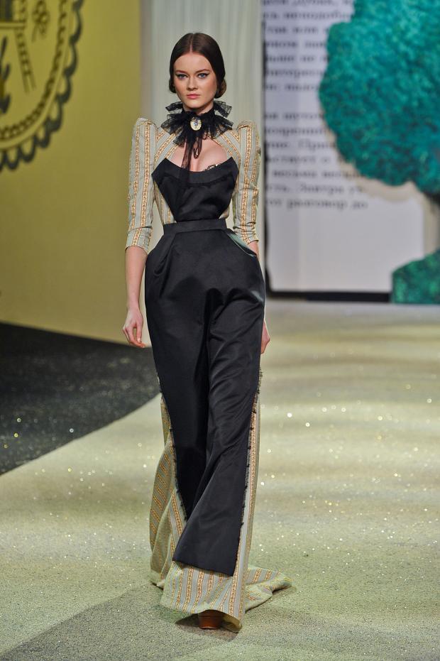 ulyana-sergeenko-haute-couture-spring-2013-pfw2.jpg