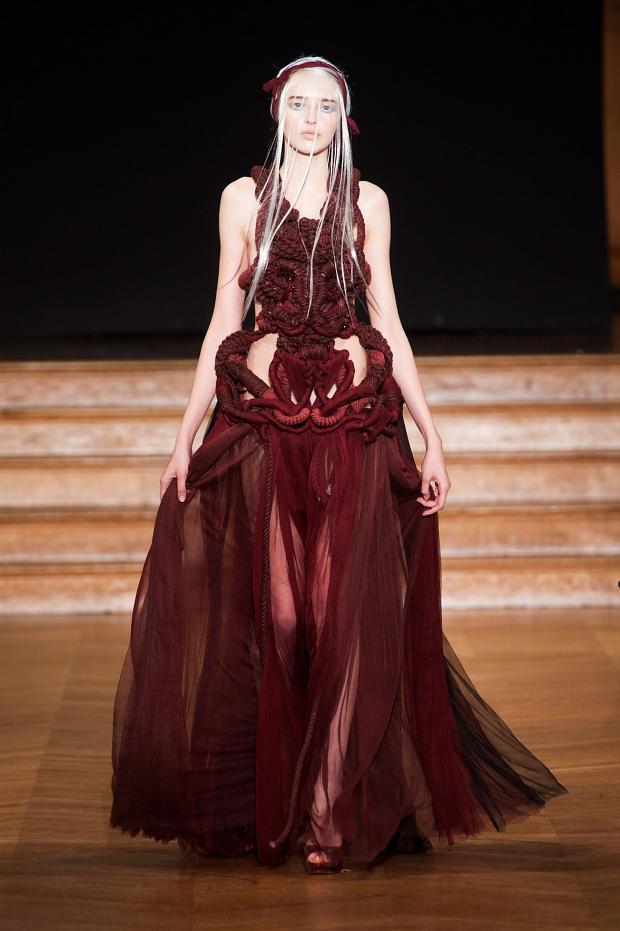 yiqing-yin-haute-couture-spring-2013-pfw21.jpg