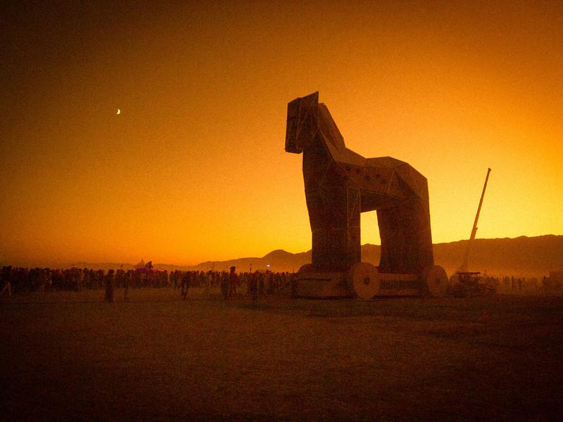 Burning Man 2011 (187 of 1126)-L.jpg