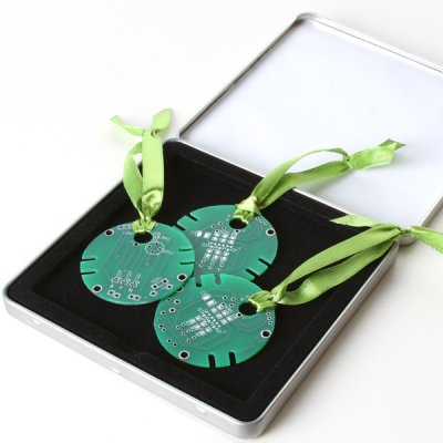 Circuitboard-Tree-Ornament-Set.jpeg
