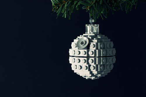 christmas-ornaments-death-star-lego-ball.jpg