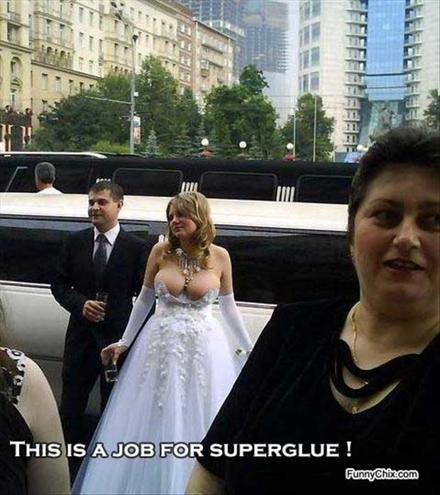 funny-wedding-pictures-big-boobs.jpg