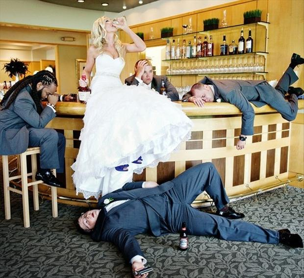 funny-wedding-pictures-drinking-after-party.jpg