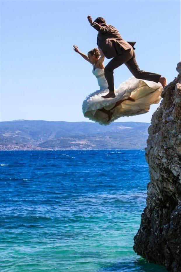 funny-wedding-pictures-jump-off-a-cliff.jpg