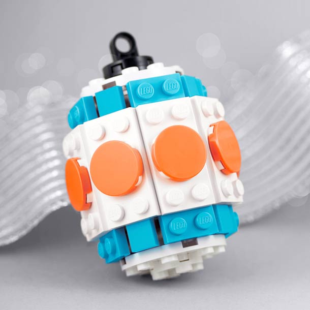 legos-holiday-ornaments-powerpig-1.jpg