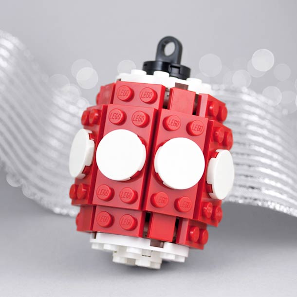 legos-holiday-ornaments-powerpig-4.jpg