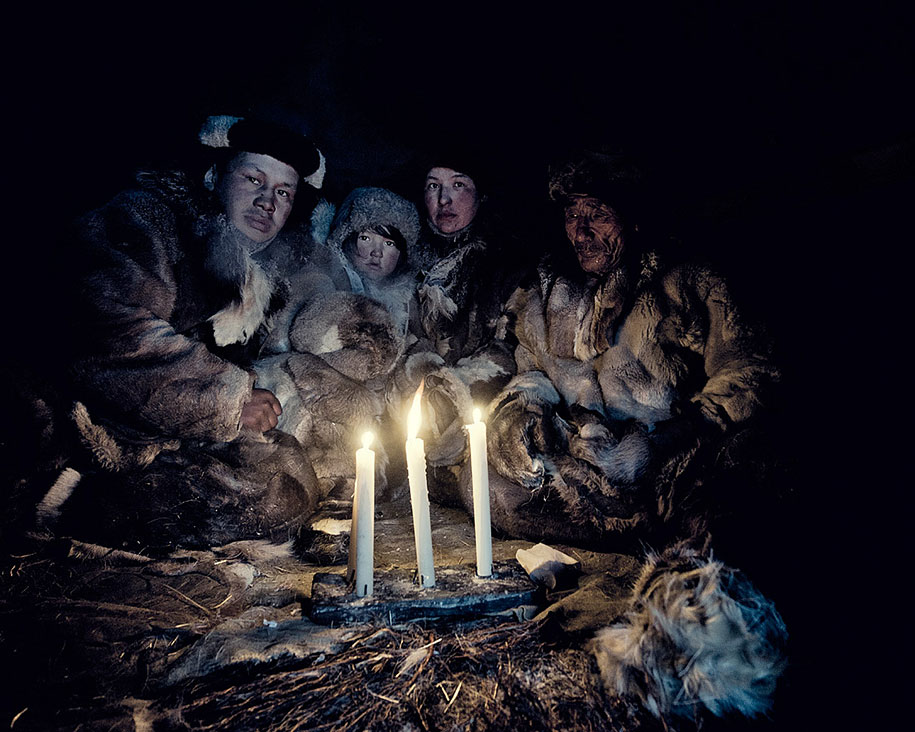 vanishing-tribes-before-they-pass-away-jimmy-nelson-15.jpg