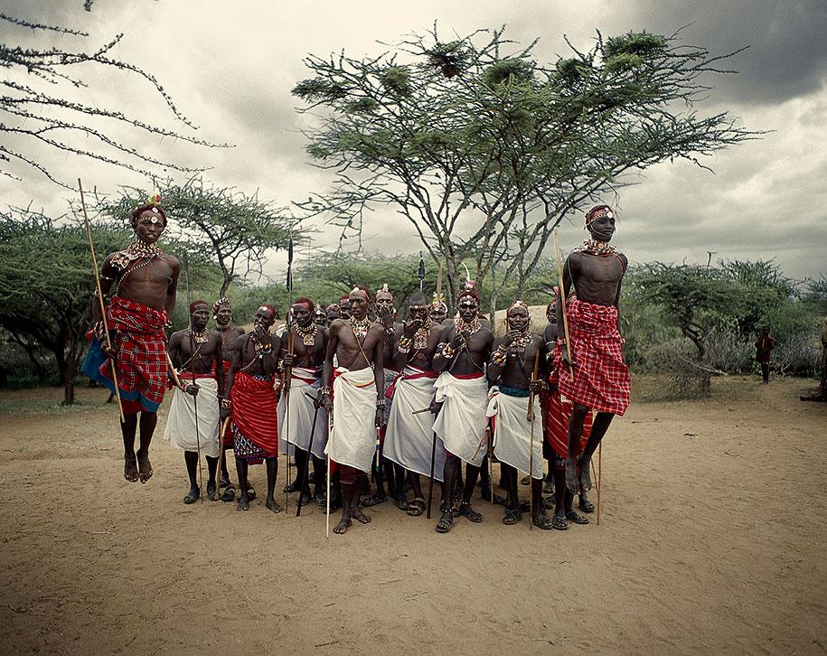 vanishing-tribes-before-they-pass-away-jimmy-nelson-25.jpg