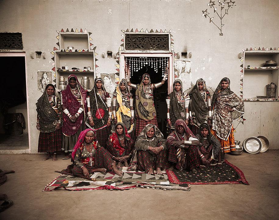 vanishing-tribes-before-they-pass-away-jimmy-nelson-28.jpg
