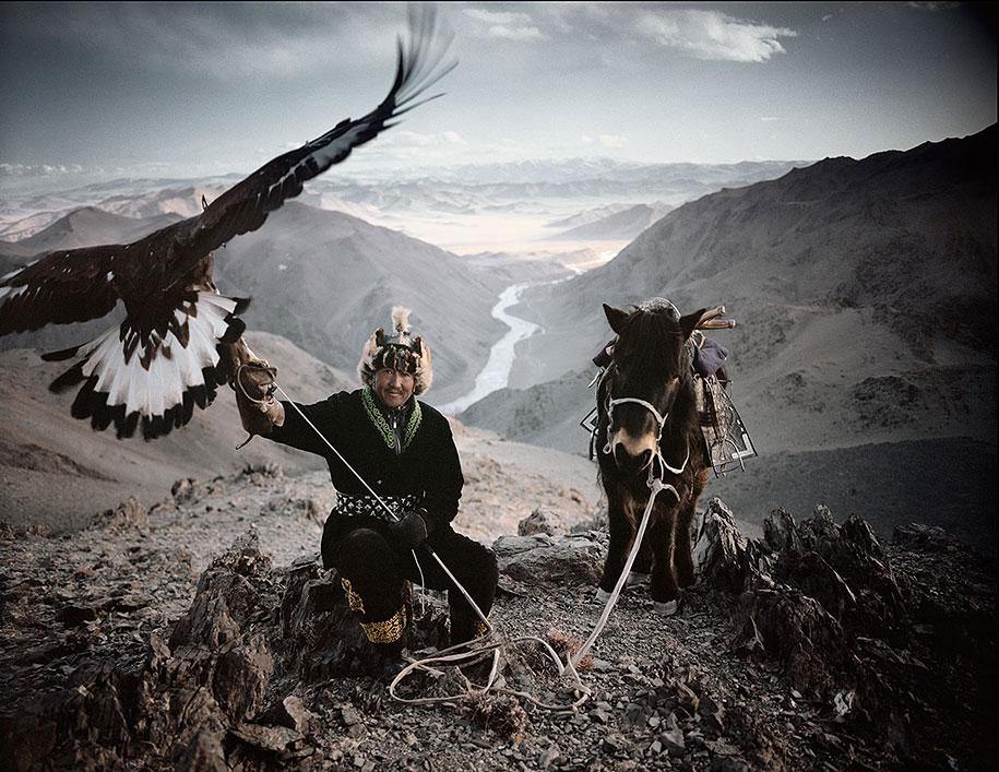 vanishing-tribes-before-they-pass-away-jimmy-nelson-3.jpg