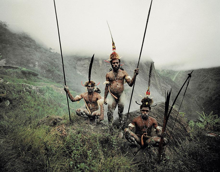 vanishing-tribes-before-they-pass-away-jimmy-nelson-42.jpg