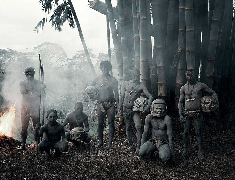vanishing-tribes-before-they-pass-away-jimmy-nelson-8.jpg