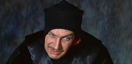 Vincent-Price-in-The-Pit-and-the-Pendulum-1.jpg