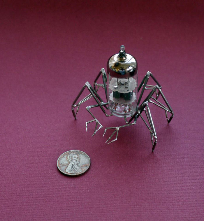 insects-made-from-watch-parts-and-discarded-objects-by-justin-gershenson-gates-a-mechanical-mind-4.jpg