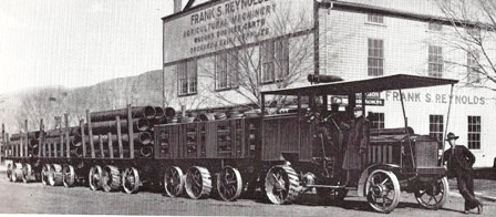Daimler Road Train Canada.jpg