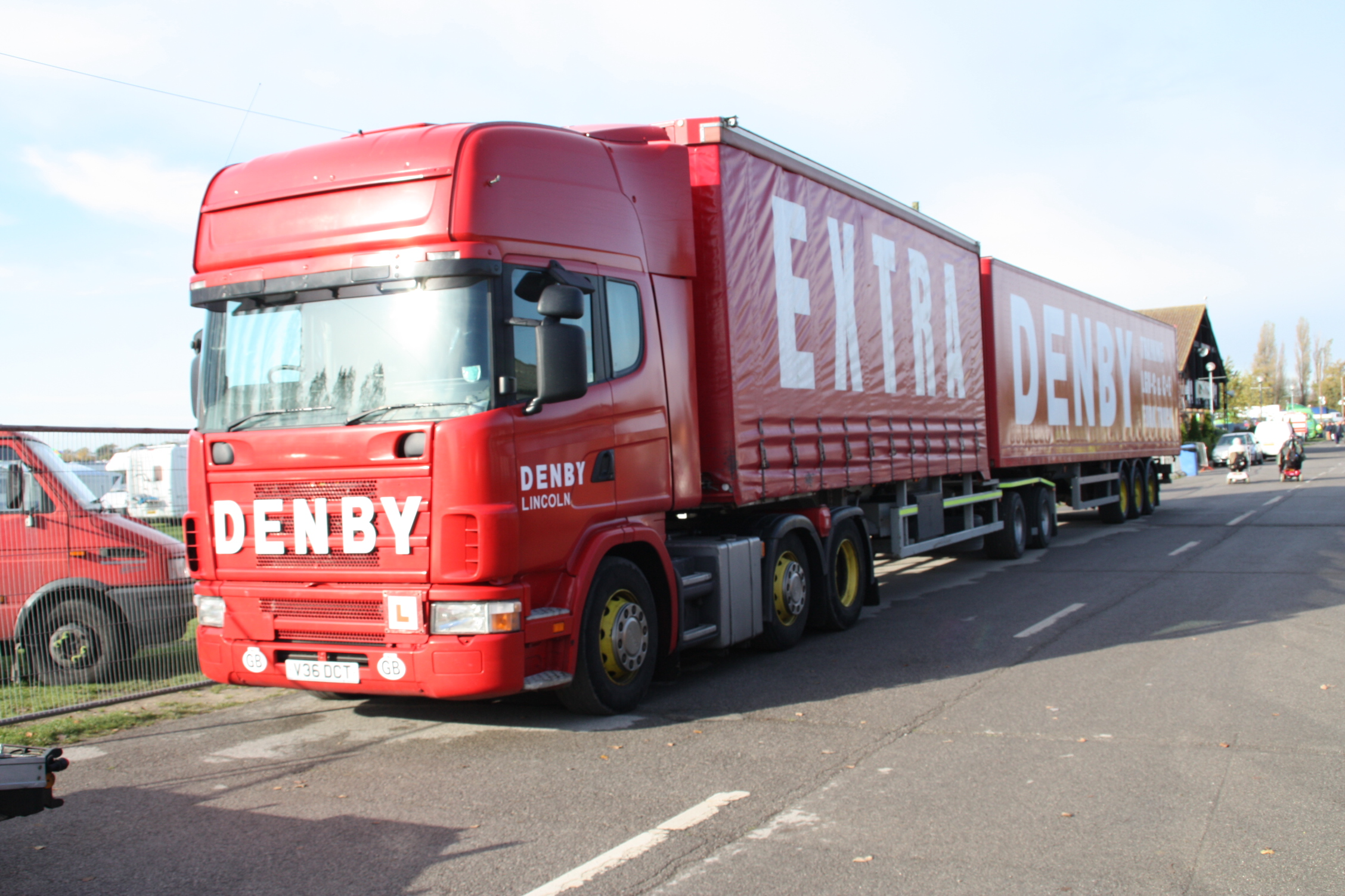 Denby_Eco--link_(roadtrain)_at_Newark_2009_-_IMG_5718.jpg