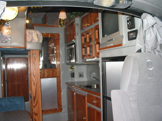 1000 Images About Big Interior Truck Sleeper On Pinterest
