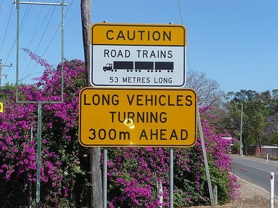 road-train-sign-tennant-creek.jpg