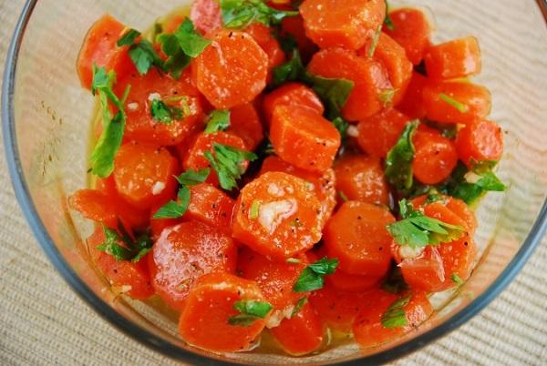 sárgarepa salata vegan 600x402.jpg