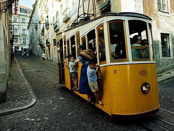 trolley-lisbon_6490_600x450.jpg