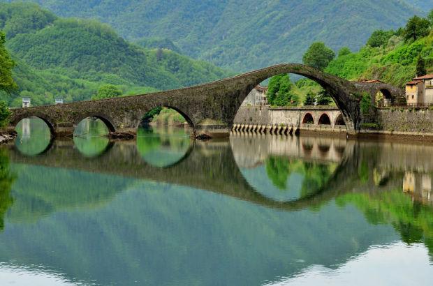 asp_620_21-ponte-della-maddalena-borgo-a-mozzano-olaszo.jpg