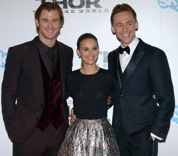 Chris-Hemsworth-and-Tom-Hiddleston-make-a-Natalie-Portman-sandwich.jpg