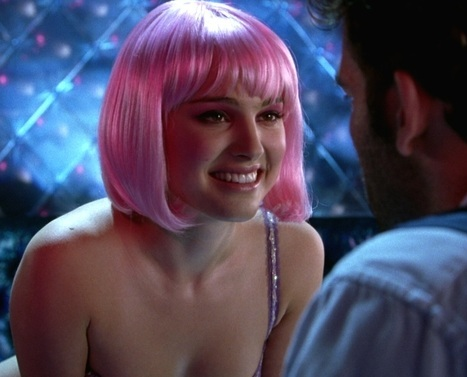 women actress natalie portman closer 2004 pink hair striptease 1900x1000 wallpaper_www.wallpaperfo.com_71.jpg
