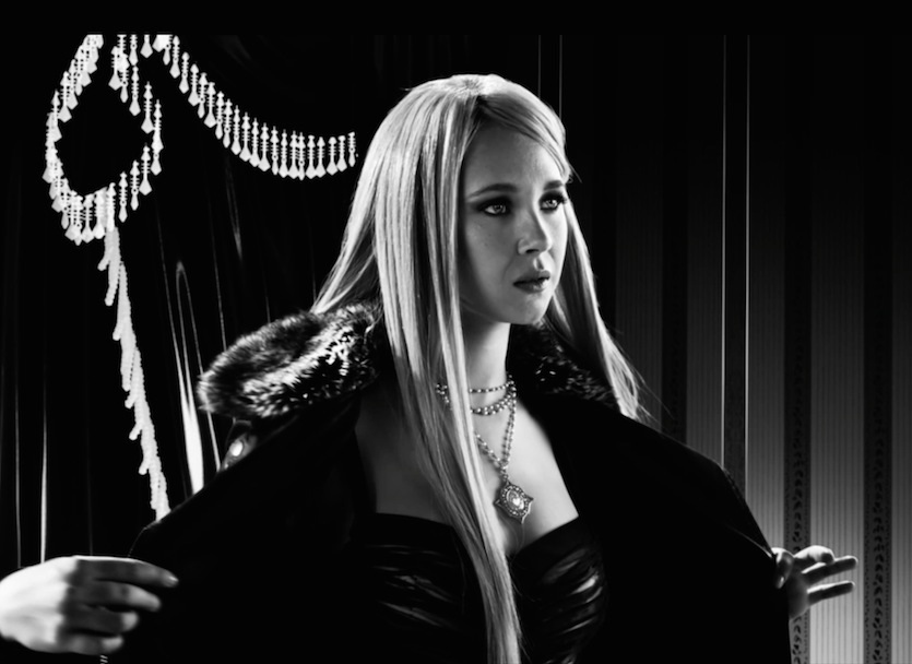 sin-city-2-a-dame-to-kill-for-screenshot-juno-temple-sexy.jpg