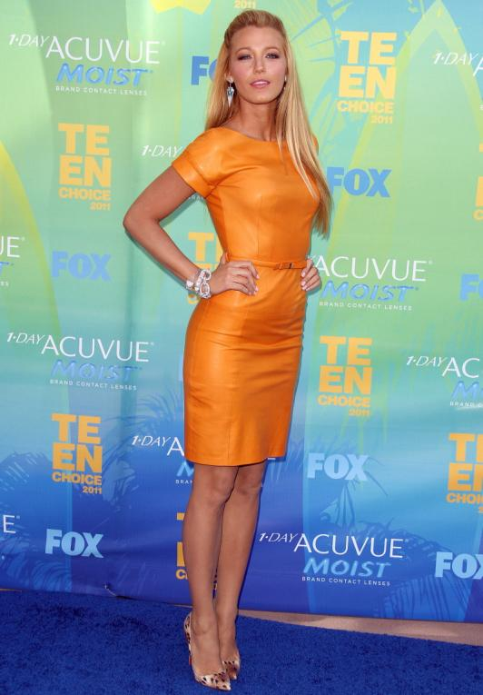 blake-lively-orange-dress_532x765.jpg