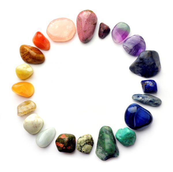 Kristályszerda - bevezetés a gyógyító kövek világába Farkas Fruzsina ékszertervezővel