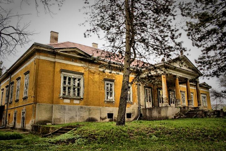 kastély-Putnok.jpg