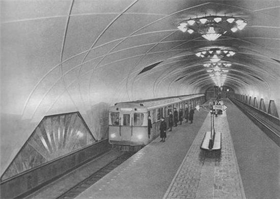 moszkva-Aeroport_metro_old_foto.jpg
