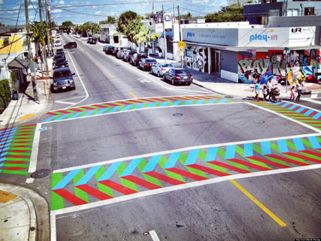 Painted-crosswalks-by-Carlos-Cruz-Diez-2.jpg